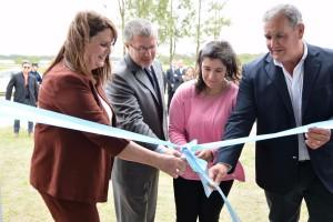 La Dra. Britos, el Dr. Welp, la Intendente Sabrina Olano y el Senador Daniel Olano dan apertura a las instalaciones del nuevo Juzgado de Paz de Ceibas.