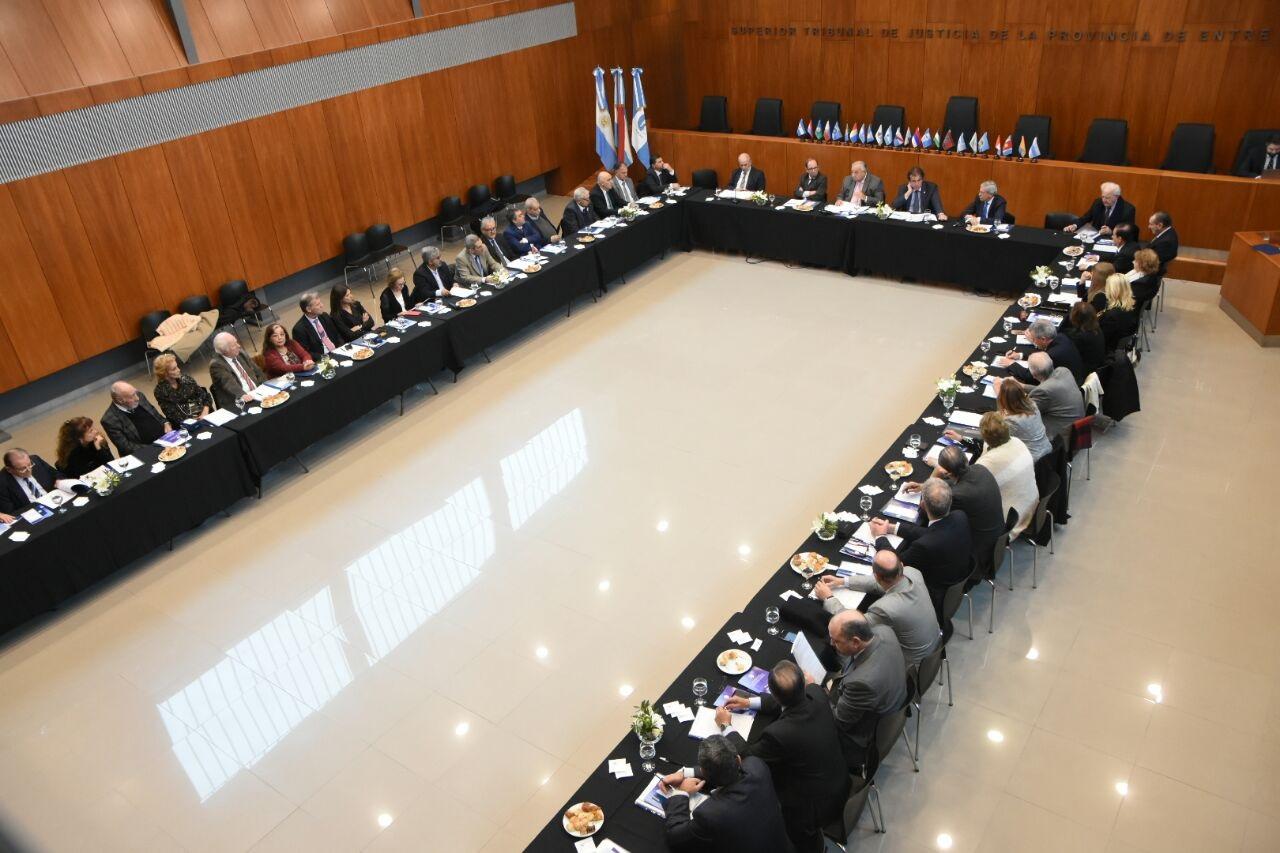 La Junta Federal de Cortes y Superiores Tribunales de Justicia de Argentina eligió sus autoridades en Paraná
