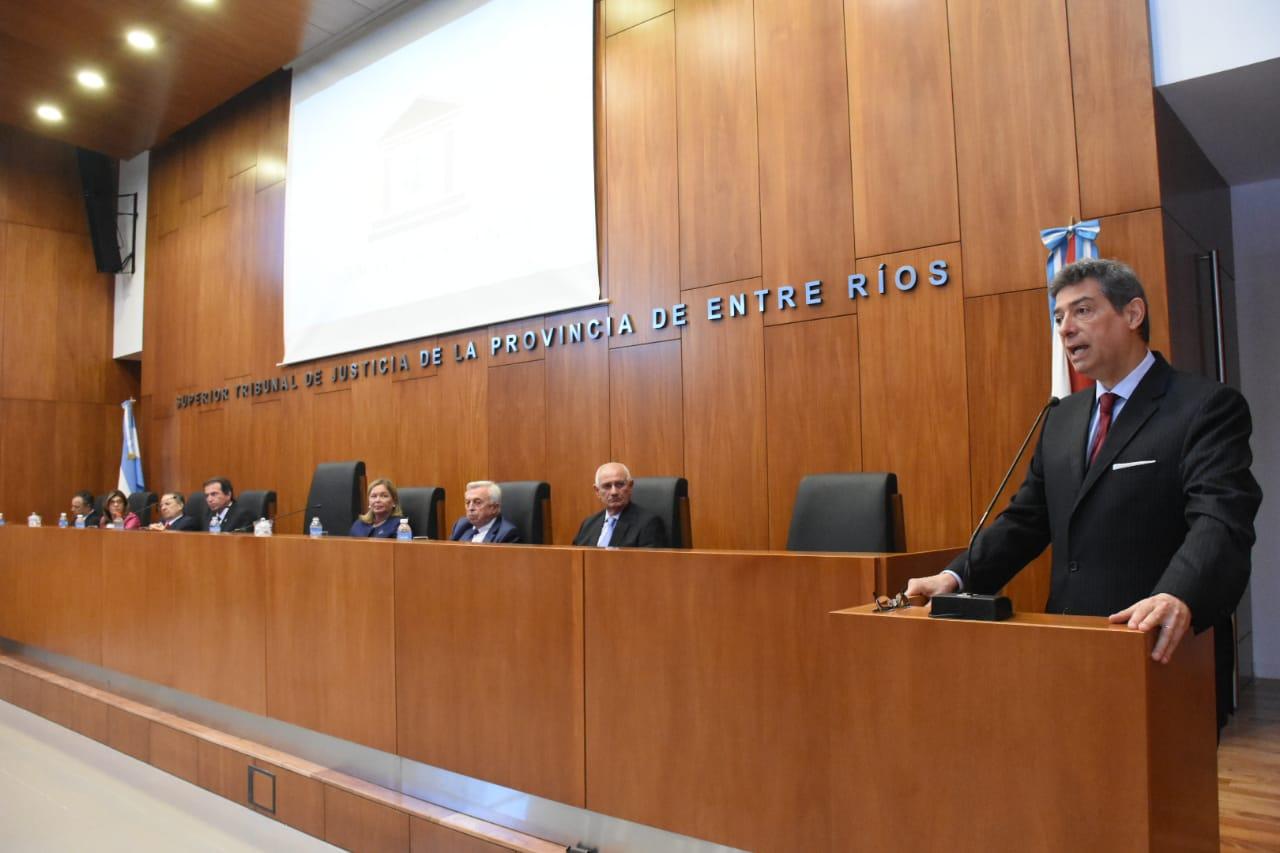 """El Ministro de la Corte Suprema de Justicia de la Nación Dr. Horacio Rosatti disertó en Paraná sobre """"El rol del juez en la sociedad actual"""""""