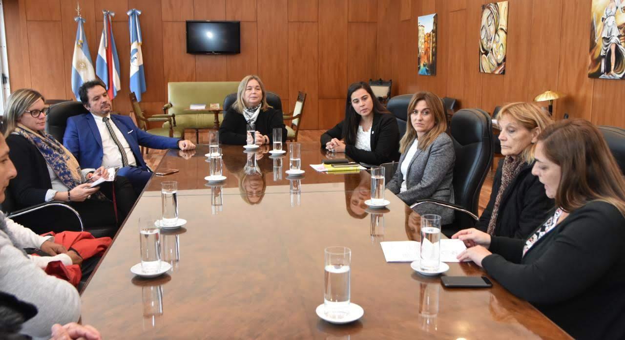 Integrantes del Poder Judicial recibieron a familiares de víctimas de delitos.