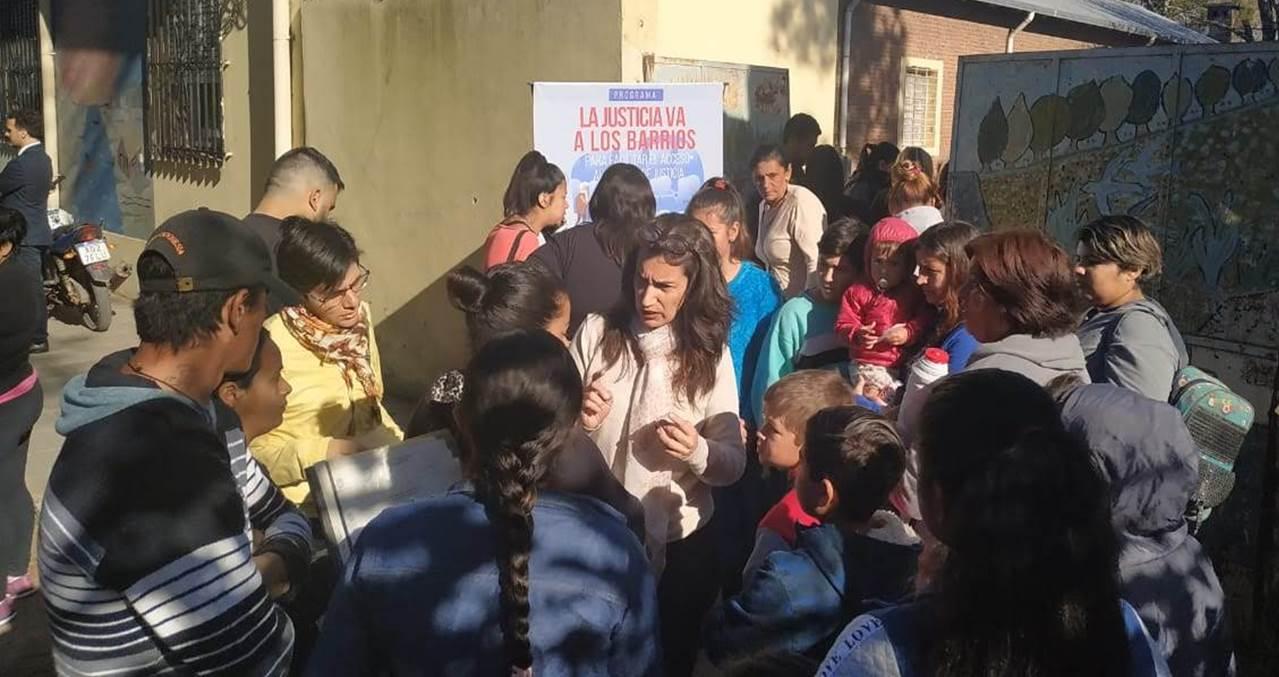 """""""La Justicia va a los barrios"""" estuvo hoy con vecinos de Bajada Grande"""