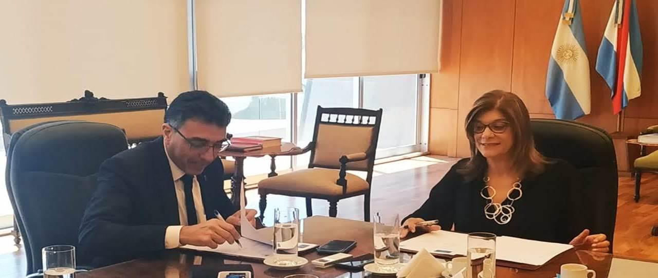 Mizawak firmó un acuerdo de cooperación entre Reflejar y  la Federación Argentina de la Magistratura y de la Función Judicial