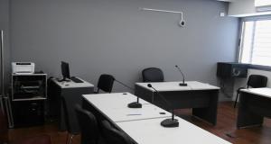 Equipamiento sala de audiencias (1)
