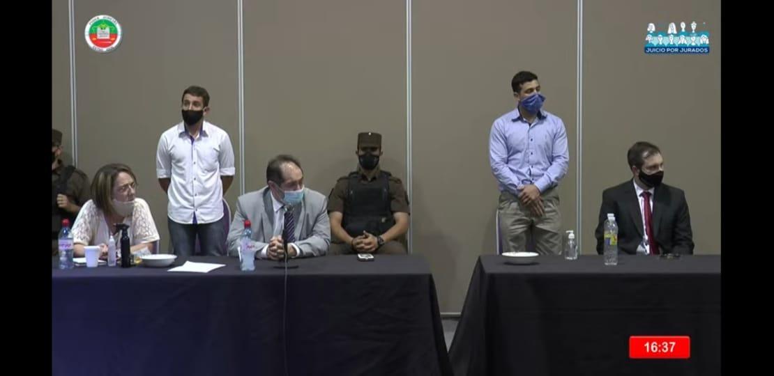 Agüero y Moledo al momento de escuchar el veredicto del jurado popular
